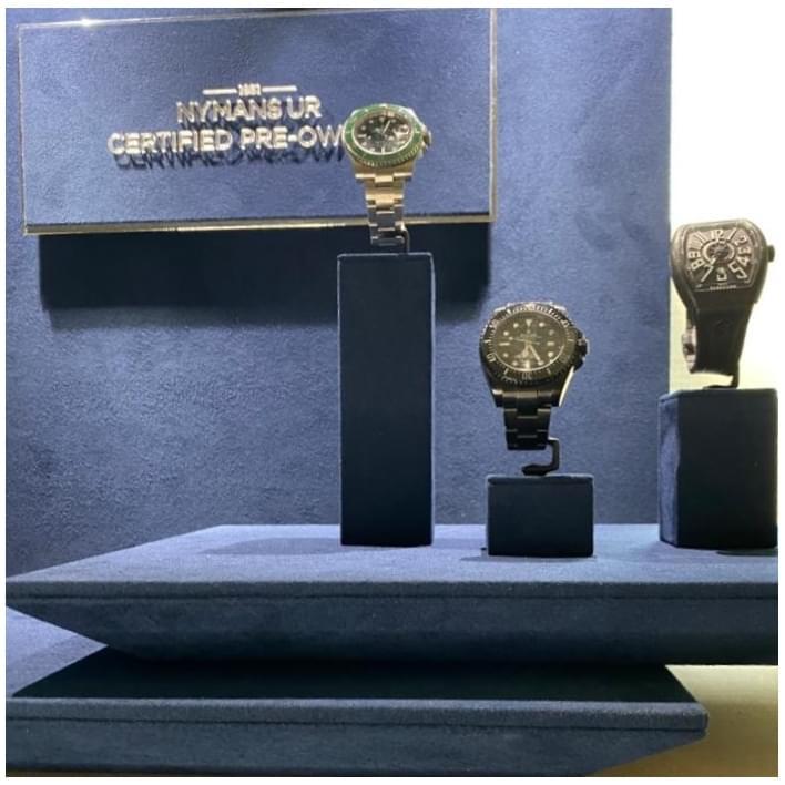 Exhibidores para joyería - 434a3bca-65cb-4e07-b192-53770bba20b7 (3)