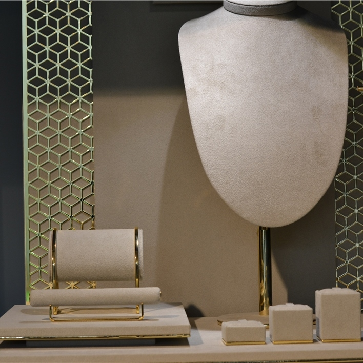 Displays set & Exhibitors - DSC 0015