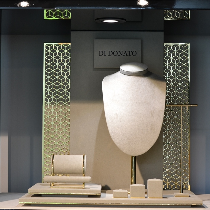 Displays set & Exhibitors - DSC 0016