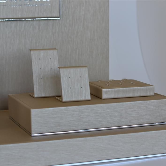 Displays set & Exhibitors - DSC 0419