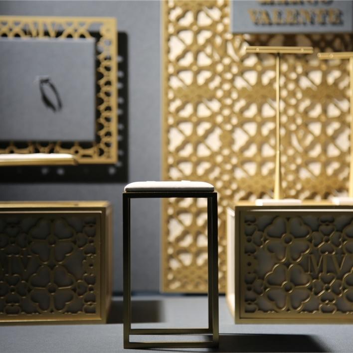 Displays set & Exhibitors - IMGT0199