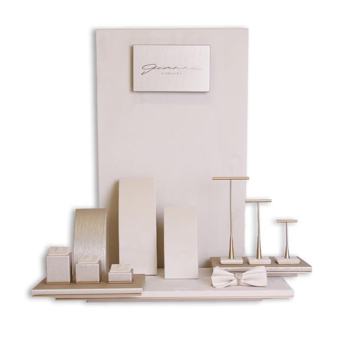 Displays set & Exhibitors -  MGT0052 copia