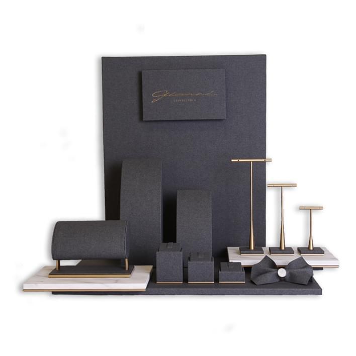 Displays set & Exhibitors -  MGT0113