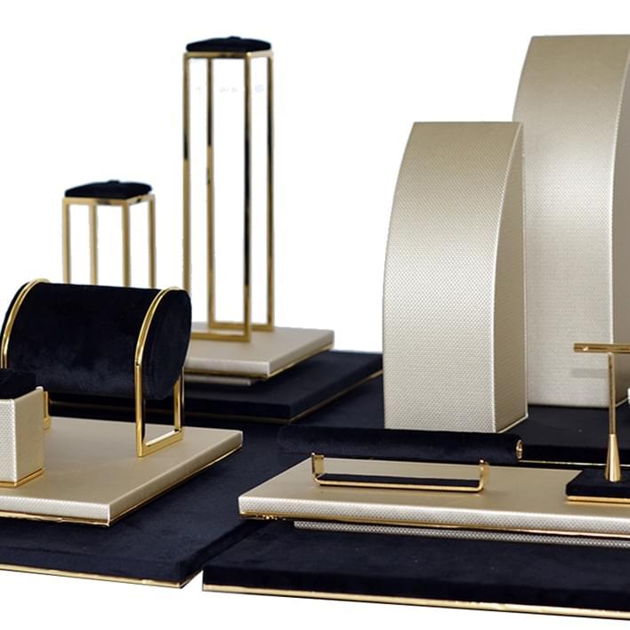 Displays set & Exhibitors - s-gold